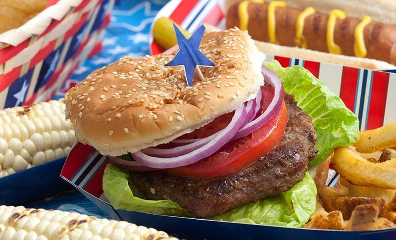 The Perfect 4th of July BBQ – Snacks Through Dessert